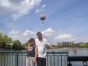 Simo e Nick sul lago del Hotel Newport Bay Club, Paris